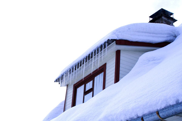 Safe rooftop snow removal – it's important!